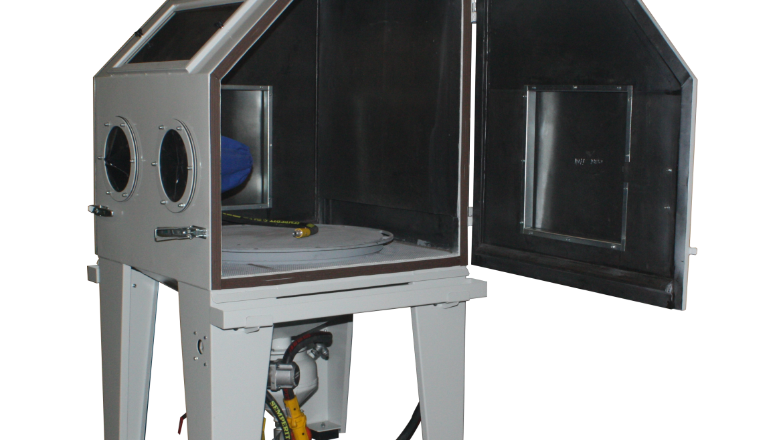 Cabin cleaning / sandblasting machines