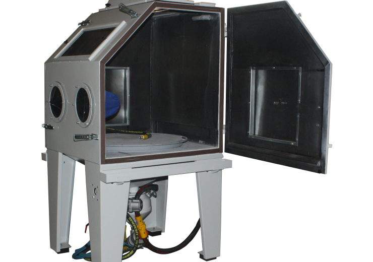 Cabin cleaning / sandblasting machines