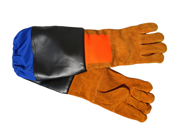Leather reinforced sandblasting gloves